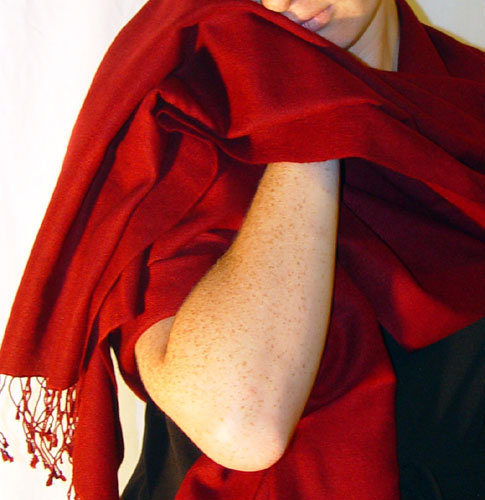 70% pashmina/30% silk medium size crimson