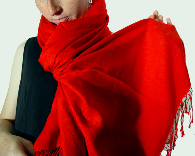 70% pashmina/30% silk fire-engine red Jacquard muffler