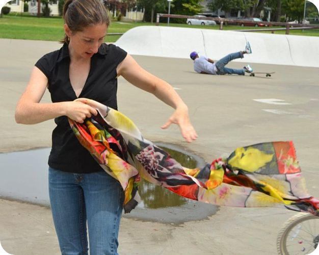 Empar at skate park with medium-size Sabhanda-Sundar superfine 100% pashmina shawl, <br> Oshinko digital print