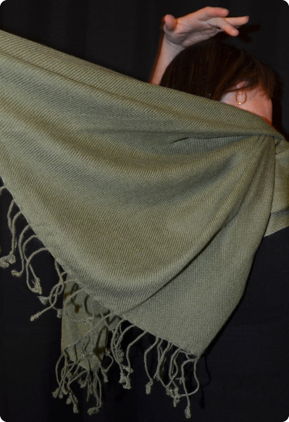100% pashmina medium-size shawl (thread color #)
