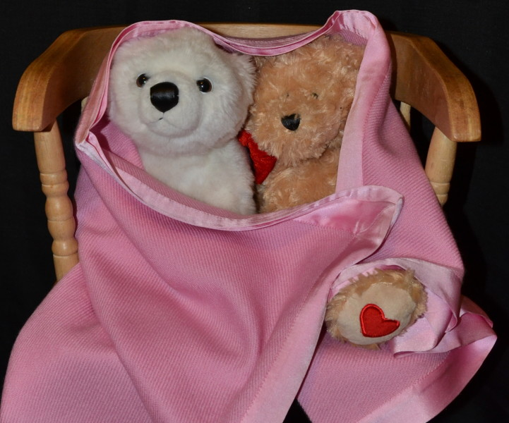 (VIS #82) Baby Blanket in double weight 100% pashmina; pink, with satin border